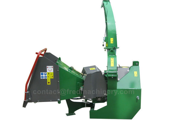 China CE Compact Wood Chipper With 4 Cutting Knives 2 Hydraulic Motors Green Shredder supplier