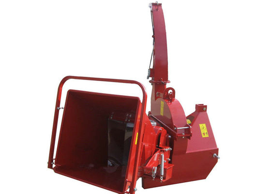 6 Inch Tractor Wood Chipper 18L Hydraulic Oil Tank For 121kgs Weight Flywheel